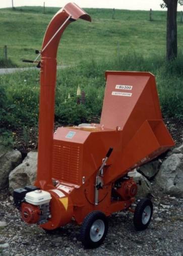 CIPPATRICE mod. BIO 200 - Produzione 4÷7 m³/h - diam. cippabile 4÷10 cm.